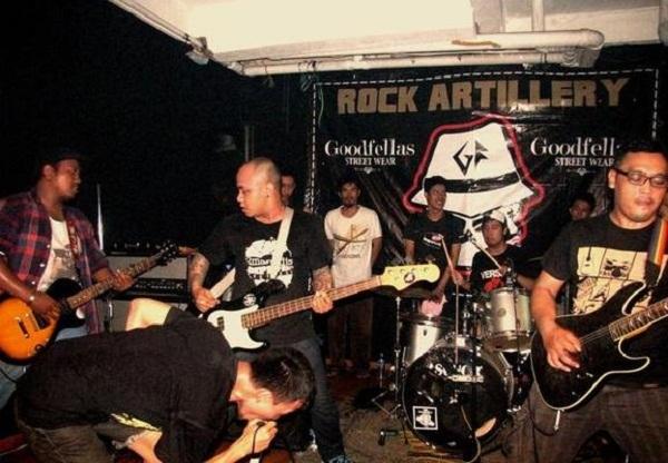 dagger_stab-Rock-Artillery-2_articleimage